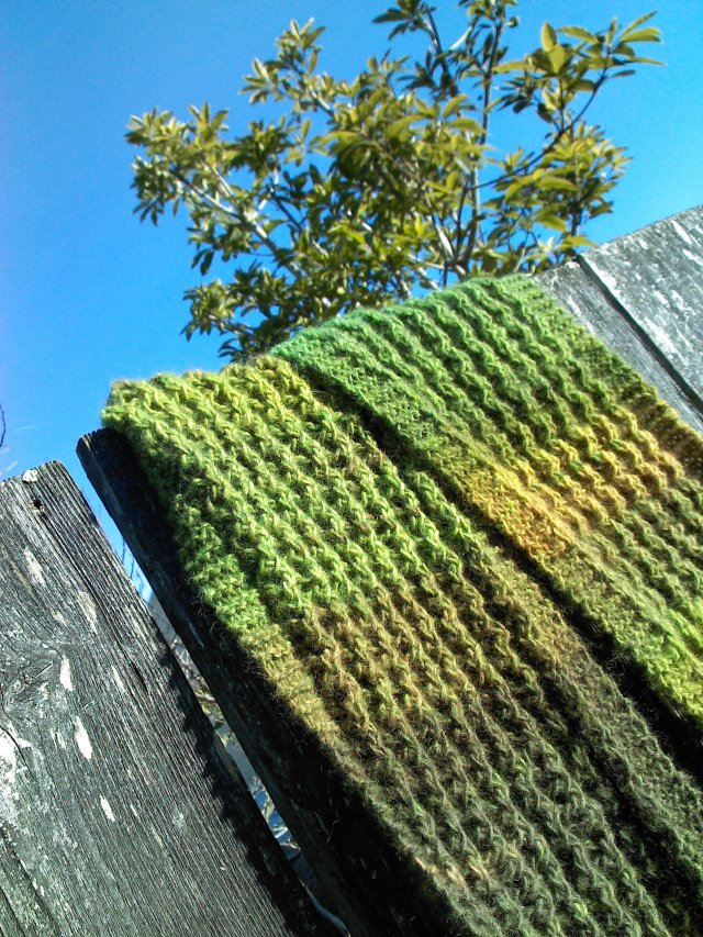 green forgiving scarf - 4